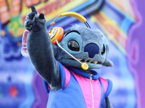 Image Copyright Disney, the disney-dj stitch is no more, so i took some liberty here...
