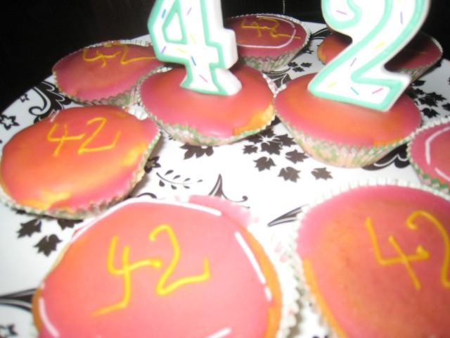 Omnomnom cakes